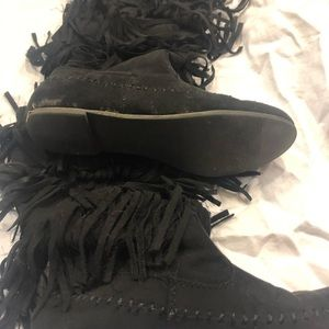 Black moccasin boots